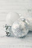 Esferas do Natal branco Imagens de Stock Royalty Free
