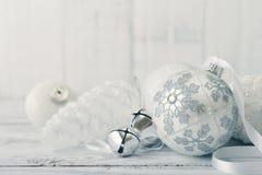 Esferas do Natal branco Fotografia de Stock