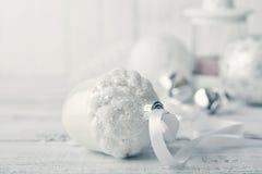 Esferas do Natal branco Fotos de Stock Royalty Free
