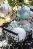 Esferas do Natal branco Fotografia de Stock Royalty Free