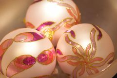 Esferas do Natal branco - weisse Christbaumkugeln Fotografia de Stock Royalty Free