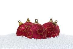 Esferas do Natal com neve Fotos de Stock Royalty Free