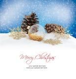 Esferas do Natal no fundo branco Cartão do Feliz Natal Imagens de Stock