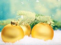 Esferas douradas Decorações abstratas do Xmas Imagens de Stock