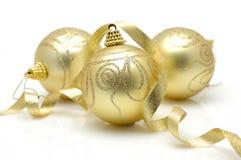 Esferas douradas do Natal Fotografia de Stock
