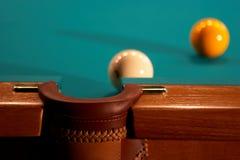 Esferas em uma tabela de bilhar. imagens de stock royalty free