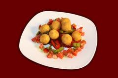 Esferas fritadas da batata com vegetais Imagens de Stock Royalty Free