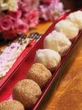 Esferas fritadas da massa de pão Imagens de Stock
