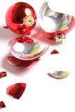 Esferas quebradas do Natal Fotos de Stock