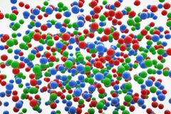 Esferas verdes y azules rojas en el cielo Fotografía de archivo libre de regalías
