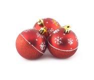 Esferas vermelhas do Natal isoladas no branco Fotos de Stock