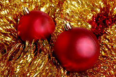 Esferas vermelhas na decoração do Natal Fotos de Stock Royalty Free