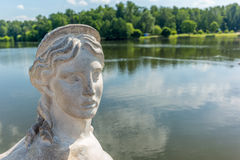 Esfinge no lago do parque de Tsaritsyno Foto de Stock Royalty Free