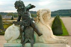 Esfinge y cupid en Versalles Fotografía de archivo