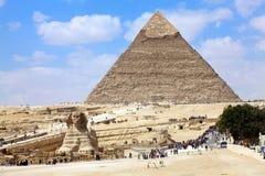 Esfinge y pirámide Fotografía de archivo libre de regalías