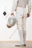 Esgrimista com folha do rapier da máscara Imagens de Stock