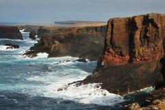 Eshaness klippor på Shetland öar Royaltyfri Fotografi