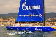 Esimit Europa 2 vinnaren av regattan för 46° Barcolana, Triest Royaltyfri Fotografi