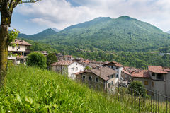 Esino Lario (913 m), Italië Stock Fotografie