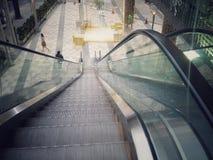 Eskalator przed centrum handlowym Zdjęcia Stock
