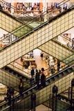 Eskalator przy Printemps w Paryż, Francja Zdjęcia Royalty Free