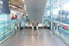 Eskalator przy Suvanaphumi lotniskiem w Bangkok Zdjęcia Stock