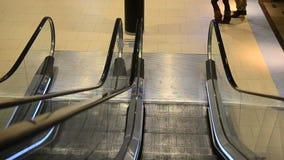 Eskalator w Koskikeskus zakupy centrum handlowym zdjęcie wideo