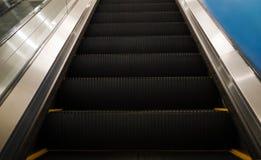 Eskalator w Wydziałowym sklepie Fotografia Royalty Free
