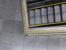 Eskalatoru odgórny widok przy stacją metru Obraz Stock