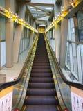 eskalatoru wydziałowy sklep fotografia royalty free