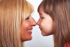 Eskimo kyss för moder och för dotter Royaltyfria Foton