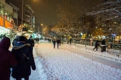 Eskisehir, die Türkei - 10. Januar 2015: Leute, die an gehen Stockfoto