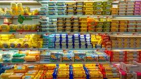 Eskisehir Turcja, Marzec, - 15, 2017: Zapasy żywności dla sprzedaży na targowych półkach obrazy stock