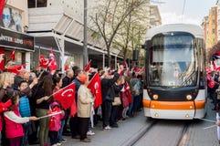 Eskisehir Turkiet - April 15, 2017: Folk som visar för att säga INTE för folkomröstning i gatan Royaltyfria Bilder