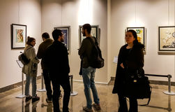 Eskisehir Turkiet - mars 4, 2017: Folk i moderna Art Ga Arkivbilder