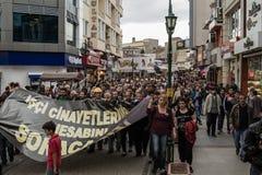ESKISEHIR, TURQUÍA - 14 DE MAYO DE 2014: Protestas sobre Soma Coal Mine D fotos de archivo libres de regalías