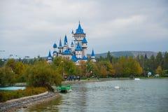 Eskisehir, Turquía: El castillo del cuento de hadas, que se ha convertido en el símbolo de Eskisehir Parque de Sazova o parque de foto de archivo libre de regalías