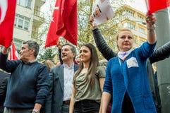 Eskisehir, Turquie - 15 avril 2017 : Maire de municipalité de Tepebasi démontrant avec des personnes avant le référendum Photo libre de droits