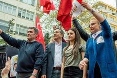 Eskisehir, Turquie - 15 avril 2017 : Maire de municipalité de Tepebasi démontrant avec des personnes avant le référendum Images libres de droits