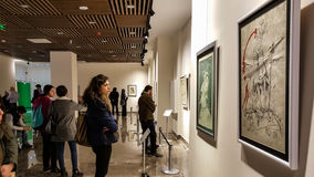 Eskisehir, Turquie - 4 mars 2017 : Les gens dans Art Ga contemporain Image libre de droits