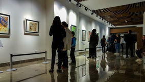 Eskisehir, Turquie - 4 mars 2017 : Les gens dans Art Ga contemporain Photo stock