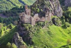 Eslováquia, ruínas históricas do castelo Lednica imagens de stock royalty free