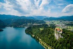 Eslovênia - lago do recurso sangrado imagem de stock royalty free