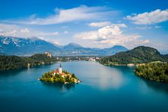 Eslovênia - lago do recurso sangrado imagens de stock royalty free