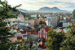 Eslovenia, Ljubljana 24 5 2019: Centro de ciudad de Ljubljana y opinión aérea del cuadrado de Presern, capital de Eslovenia fotografía de archivo libre de regalías