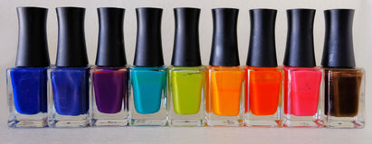Esmalte de uñas colorido Fotografía de archivo libre de regalías
