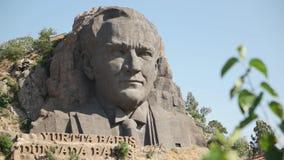 ESMIRNA, TURQUÍA - JULIO DE 2015: Estatua de Ataturk en Esmirna almacen de video