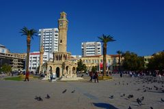 esmirna Turquía Torre de reloj La torre de reloj famosa se convirtió en el símbolo de Esmirna, situado en cuadrado La torre fue c imagen de archivo