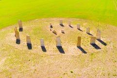 Esoterisch geomancysymbool op groen tarwegebied stock foto's