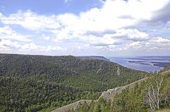 Espèces de Panoramma des montagnes de Strelna chez la Volga Photos libres de droits
